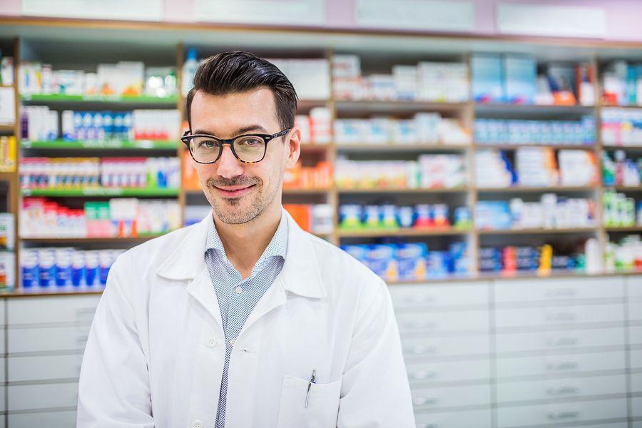 how to get into pharmacy school
