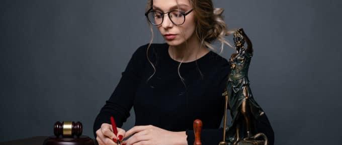 female-lawyer-working-desk