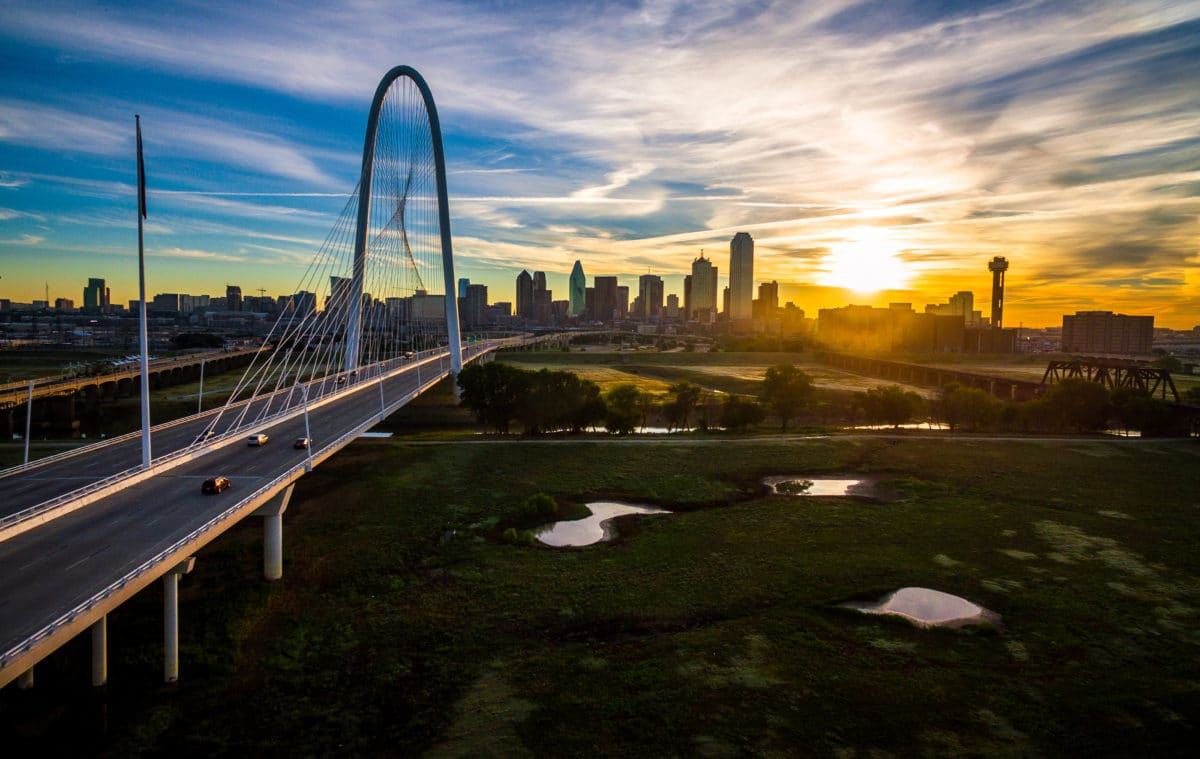 margaret-hunt-hill-bridge-dallas-texas-skyline