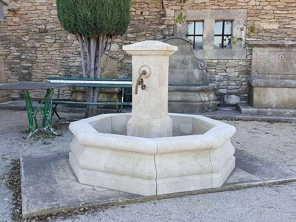delta fontaine de jardin en pierre reconstituee beausoleil decoration d exterieur jardin jardin decoration d exterieur
