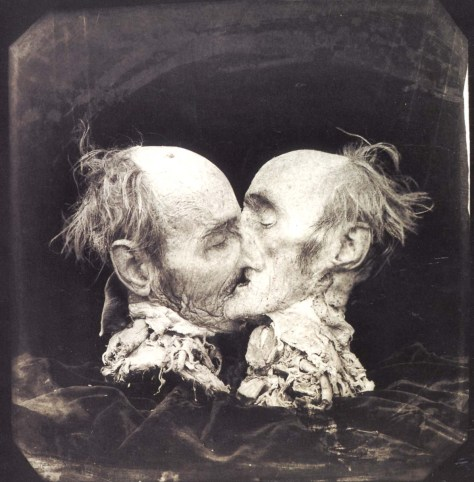 Joel-Peter Witkin, Le Baiser, Photographie, 1883.