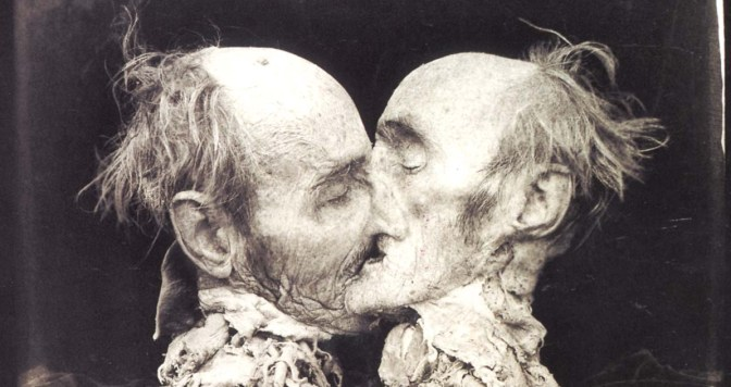 Joel-Peter Witkin – Le Baiser