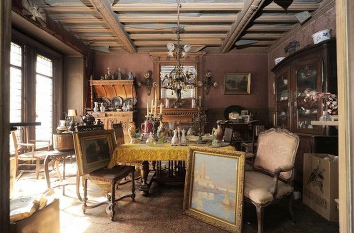 Un appartement abandonné depuis 70 ans est retrouvé à Paris
