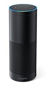 Moi, je suis Alexa d'Amazon et je suis... une sorte de boite qui parle aussi.