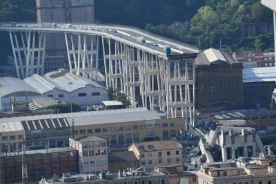 Bridge collapses on Genoa highway