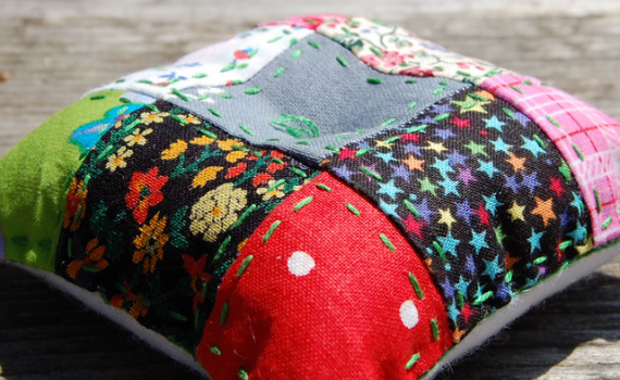 speldenkussen patchwork pincushion