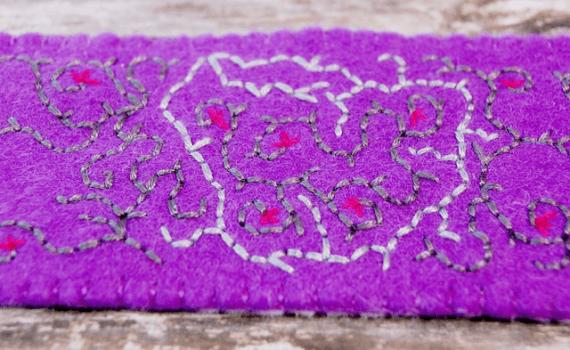 cuff bracelet purple fiber jewellery armband van vilt