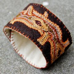 sieraad wol natuur kopen Studio Paars bruin naturel boom schors cuff armband bracelet nature natural tree bark