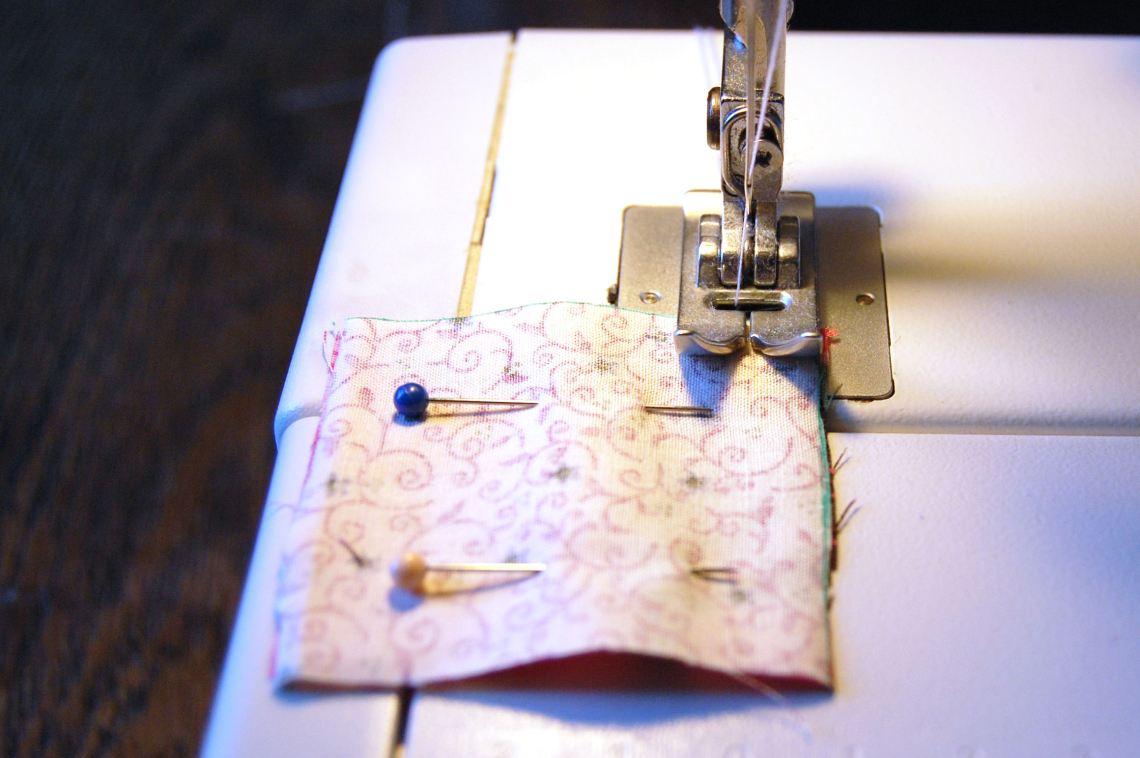 vierkantjes vastnaaien door studio paars