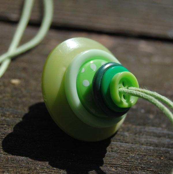 knopenketting #12 groen door studio paars