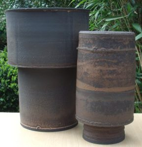 Young Ran Lee: - Stoneware vessels.