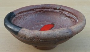 Robin Welch footed bowl. The height is 7.6 cm (3.0 inches) and the maximum diameter is 18.8 cm (7.4 inches). Price: £185