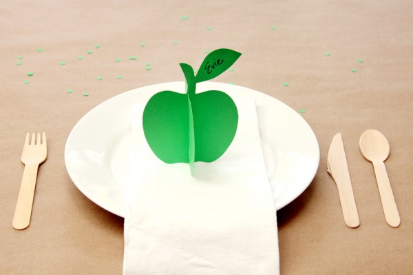 DIY 3D Apple Place Cards