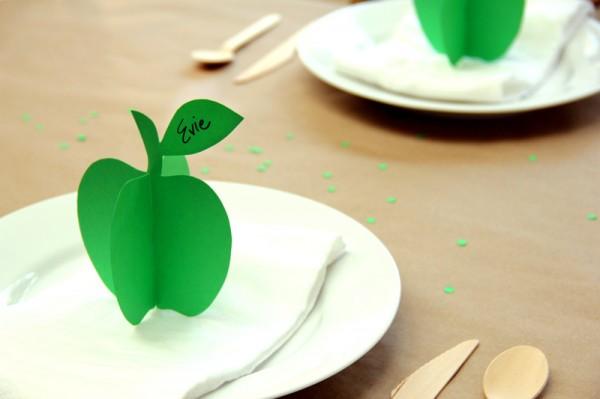 Printable DIY 3D Apple Place Cards