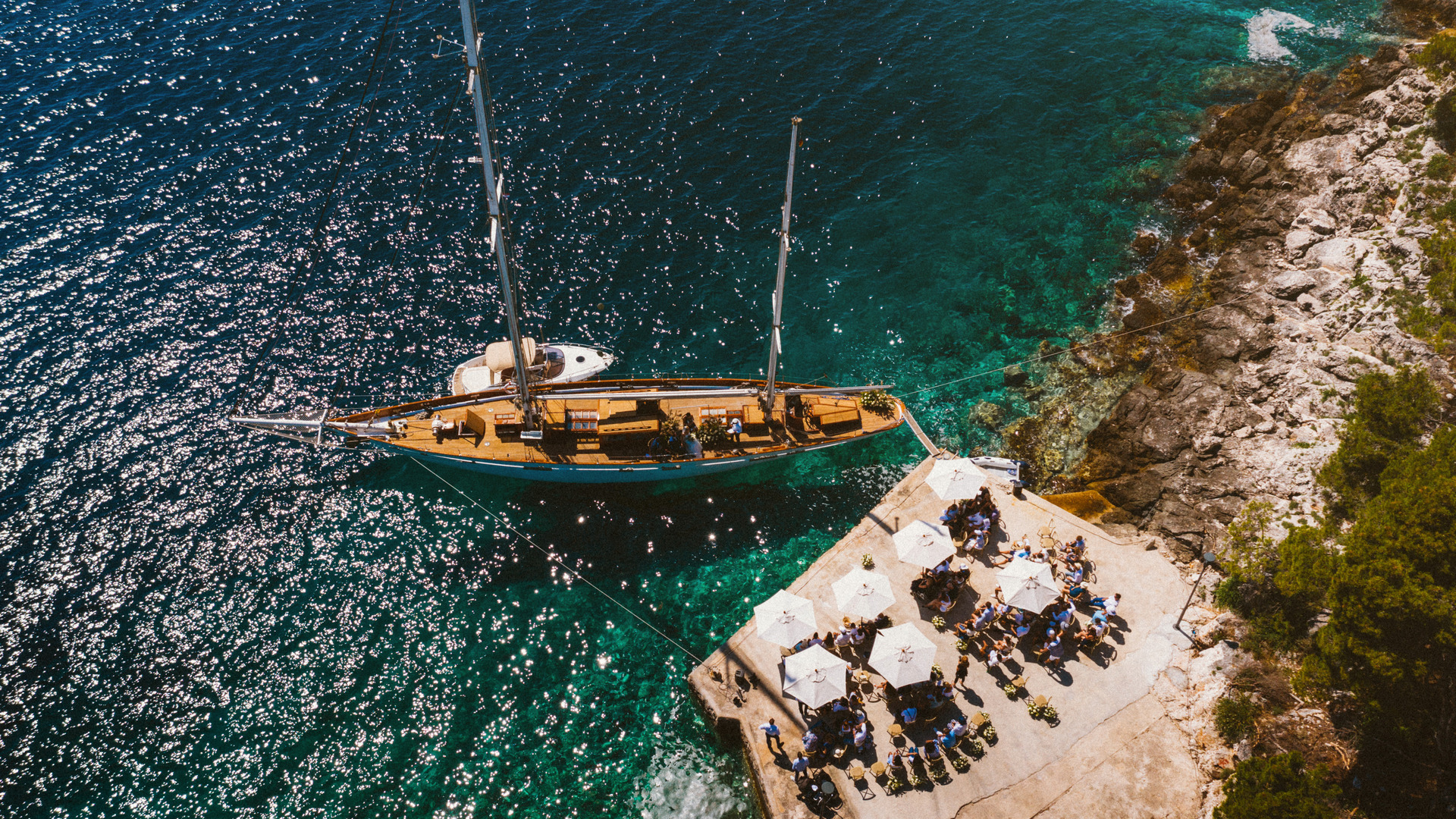 obonjan sailboat wedding