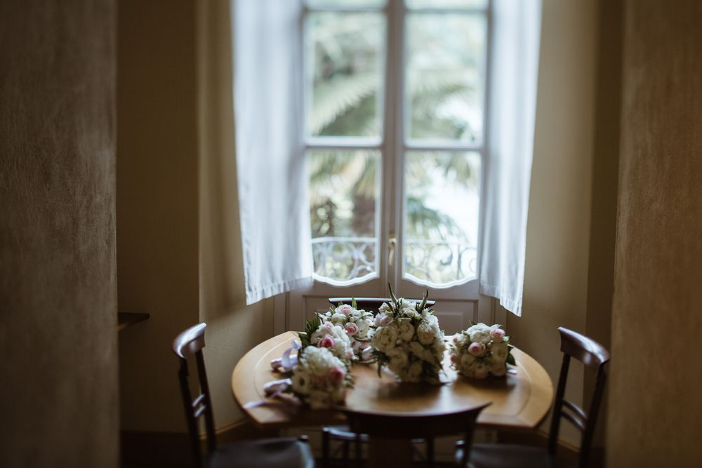 Wedding flowers at Villa Gippini. Photo by DTstudio, Lake Como Wedding photographer
