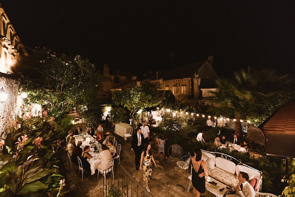 Gorgeous restaurant Lola garden weddings