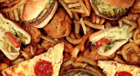 Risultati immagini per cibo spazzatura