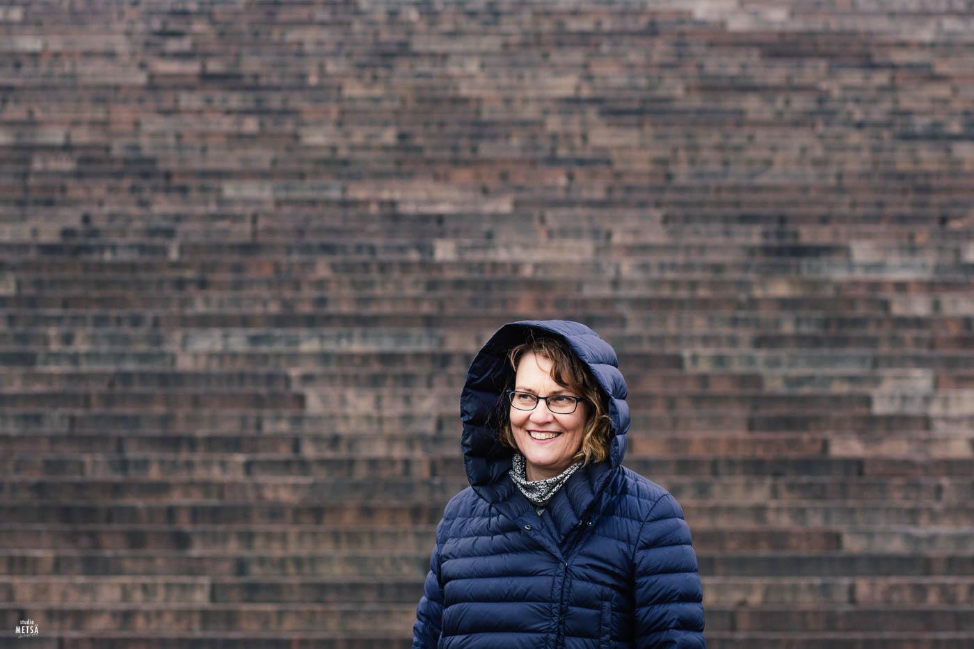 Päivi Studio Metsän ja Me Naisten kuvauksissa Helsingissä