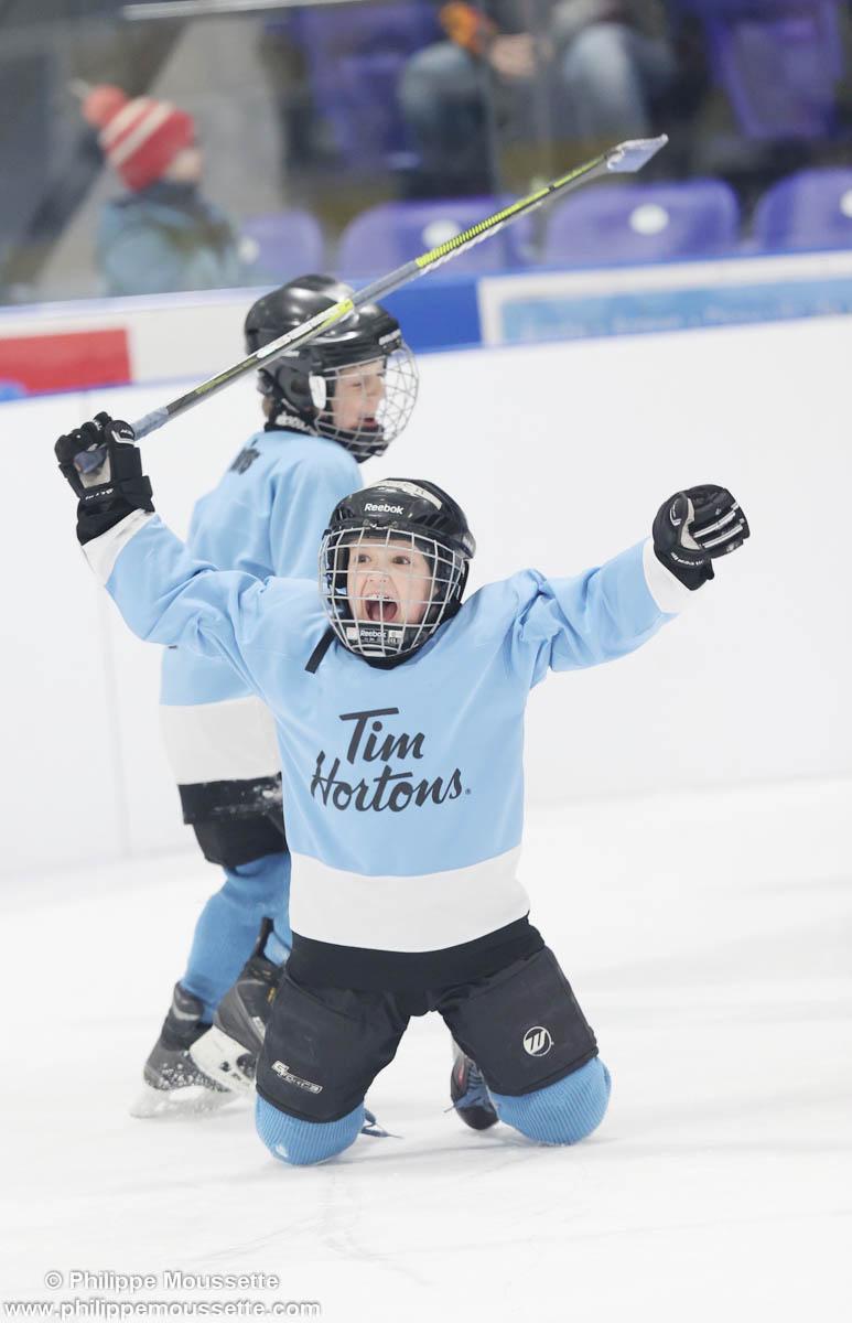 Hockeyeur qui célèbre