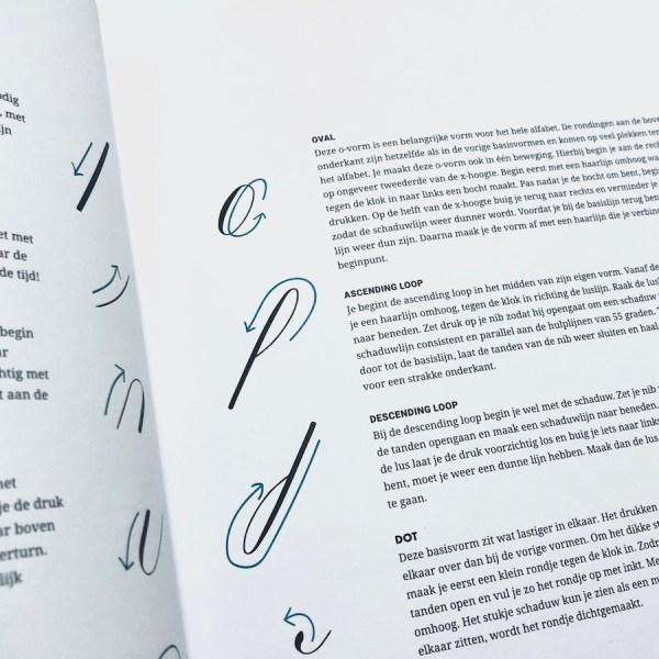 Kalligrafie leren boek basis
