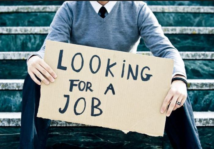 Which one is Better, a 70K Private Job or a 40K Government Job