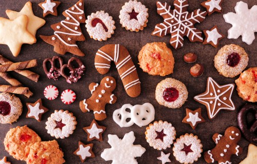 Holiday and Christmas cookies and desserts