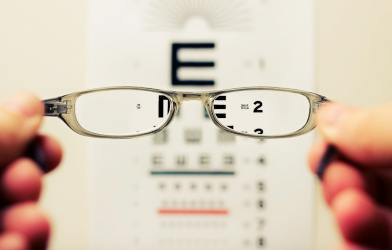 Vision test with glasses