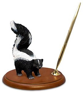 Skunk Figurine Pen Holder
