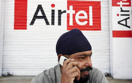 Airtel Free 4G Plans - Man talking with phone