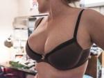 Les seins naturels d'une salope du 27 hot et nue