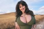 Les seins naturels d'une salope du 51 hot et nue