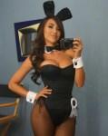 fille du 79 montre ses gros tétons nue en photo