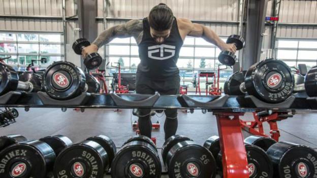 Roman-Reigns-Gym-Workout-Photo