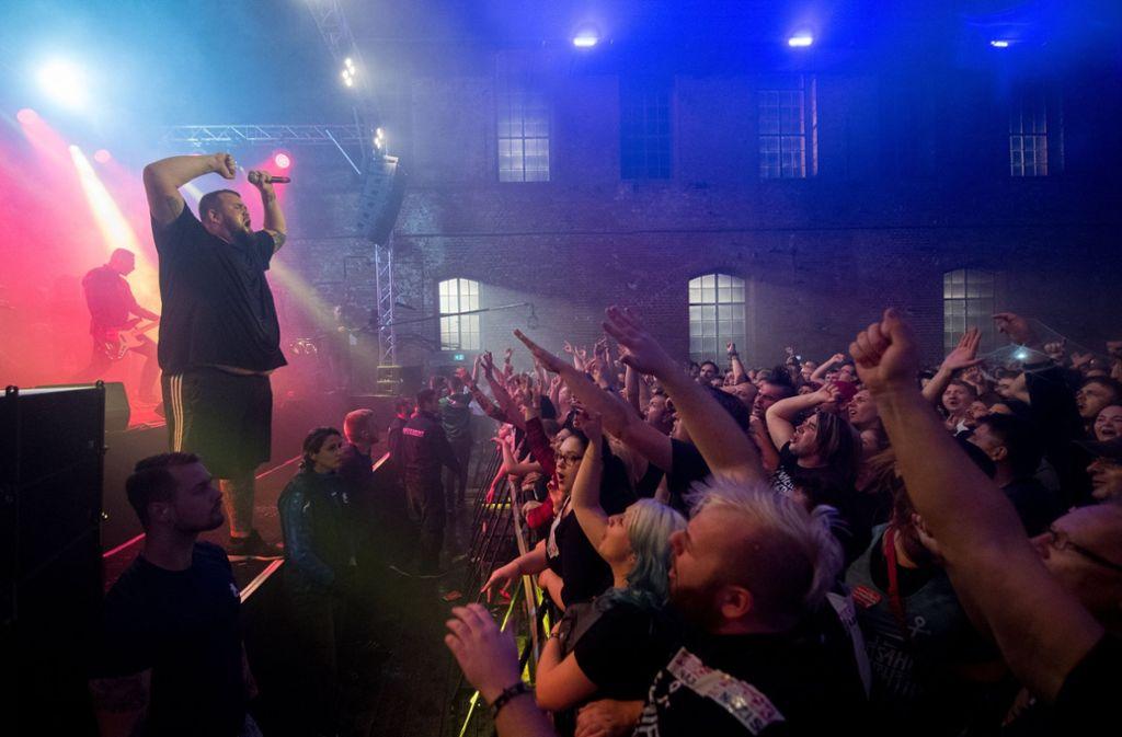 Feine Sahne Fischfilet Linke Band Spielt In Dessau Kultur Stuttgarter Nachrichten