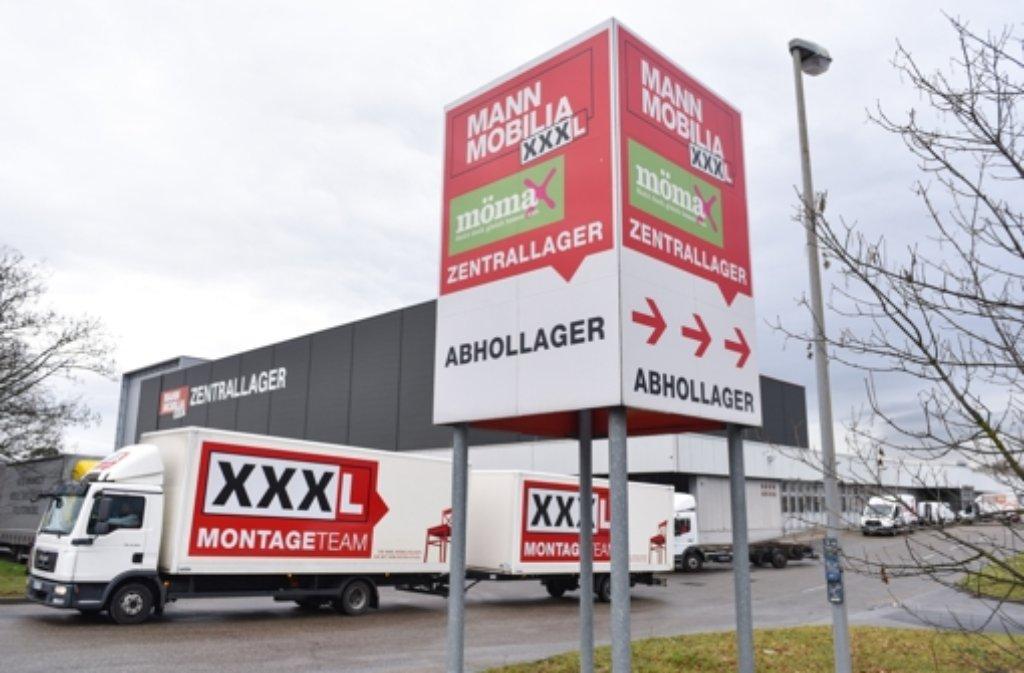 Von Mobelhaus Plotzlich Freigestellt Xxxl Mitarbeiter Protestieren In Mannheim Baden Wurttemberg Stuttgarter Nachrichten