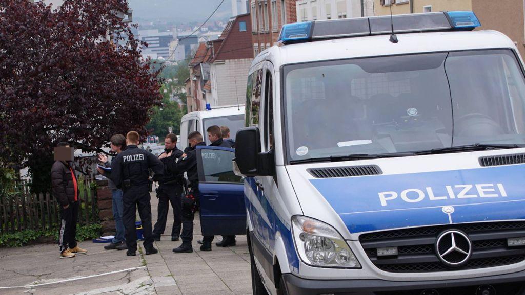 Menschen In Uniform Der Perfekte Polizist Gt Gottinger Tageblatt
