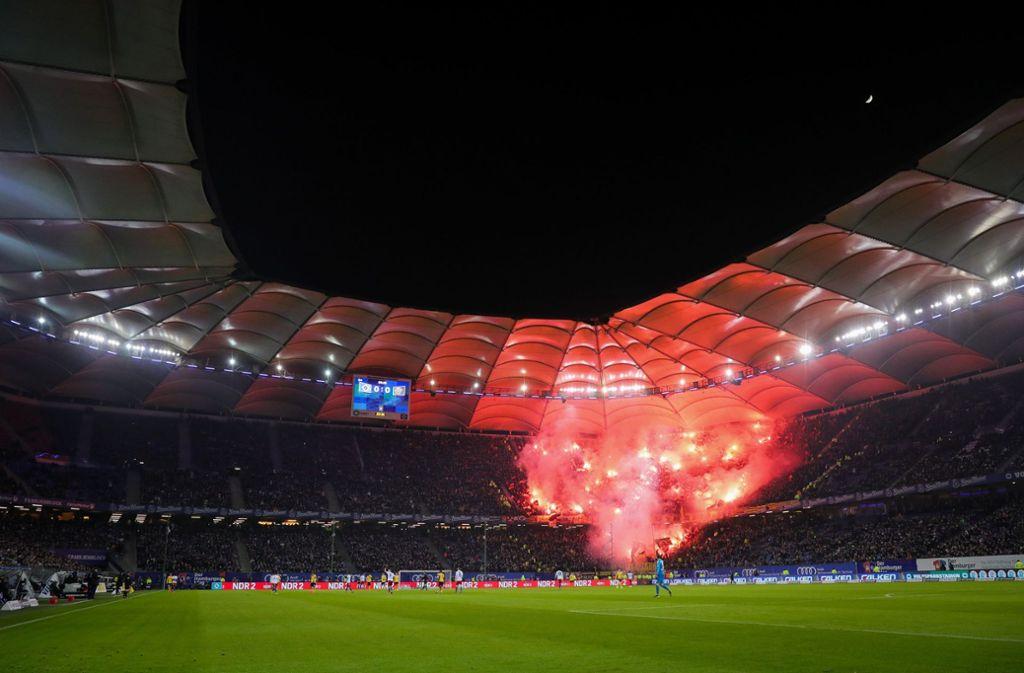 Hamburger Sv Gegen Dynamo Dresden Hsv Wahrt Vorsprung Auf Verfolger Koln Fussball Stuttgarter Nachrichten