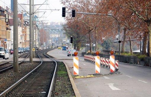 In der Neckartalstraße werden die Gleise erneuert. Foto: Koch