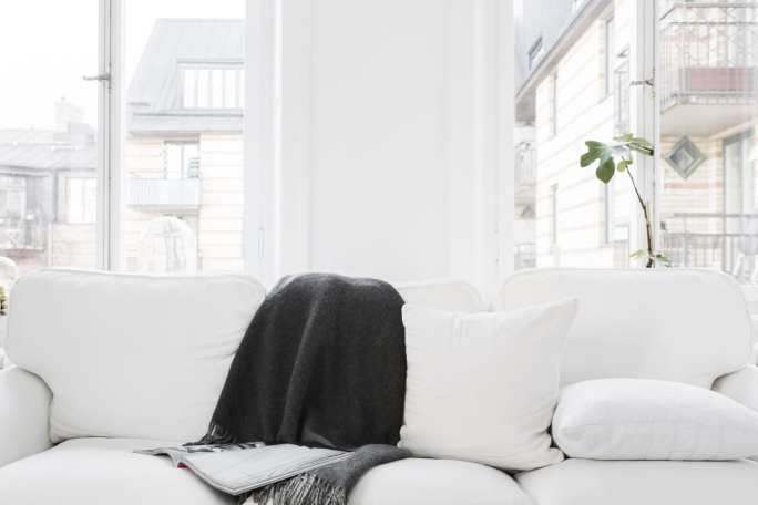 StyleAndMinimalism | Home | Interiors | Sara Medina Lind's White Apartment in Stockholm