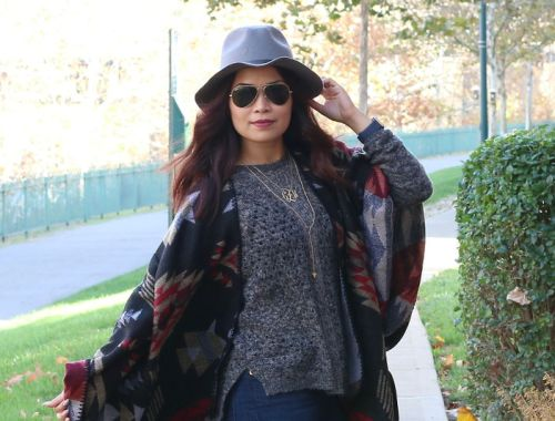 fall outfit, poncho, shopzyania, fedora hat, sweater, ray-ban