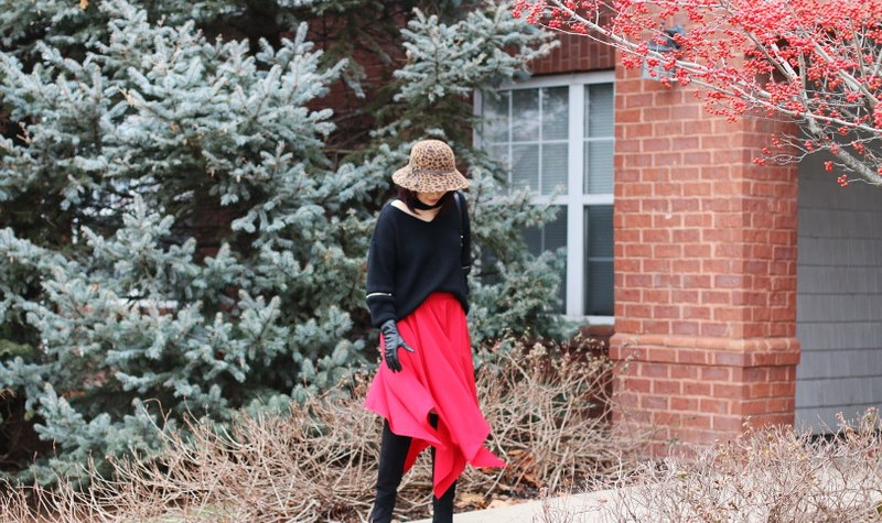 Christmas Eve Outfit, red skirt, black sweater, suede boots, hat