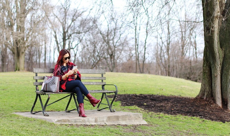 burgundy boots, burgundy Tory Burch gemini link tote, poncho, outfit