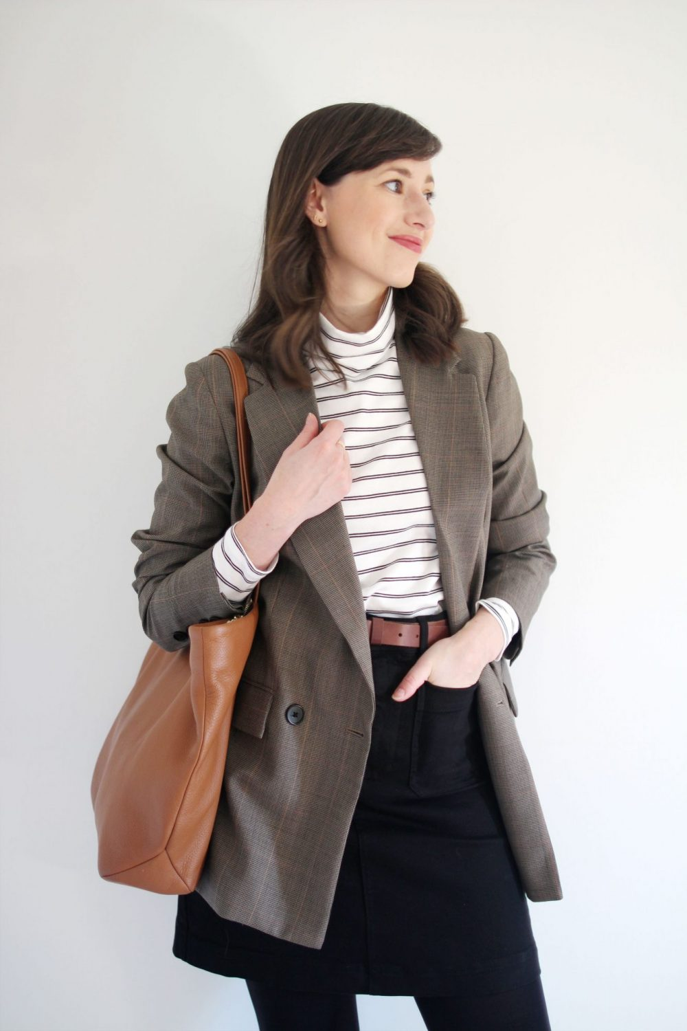 Style Bee - 1 Staple Piece - 5 Ways - With Tradlands