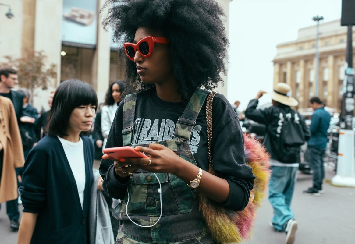 phil-oh-pfw-spring-2016-day-7-street-style-12