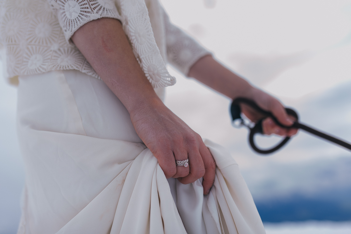 winter-mountain-wedding-hafelekar-maria-luise-bauer-photography-wedding-with-dogs-28