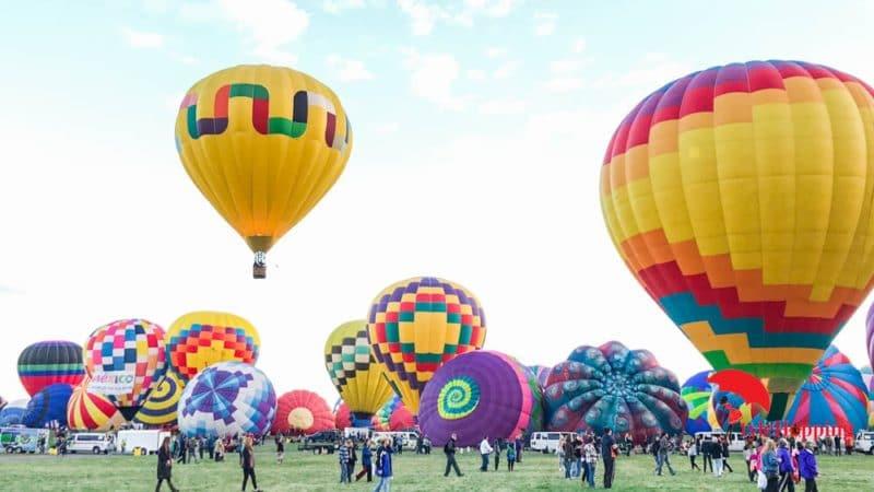 Landscape balloons