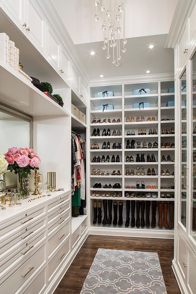 What a perfect closet looks like   15 Beautiful walk in closet ideas     I have come across some closets on Pinterest lately that have left me with  some serious closet envy  I m sharing 15 of the most beautiful walk in  closet
