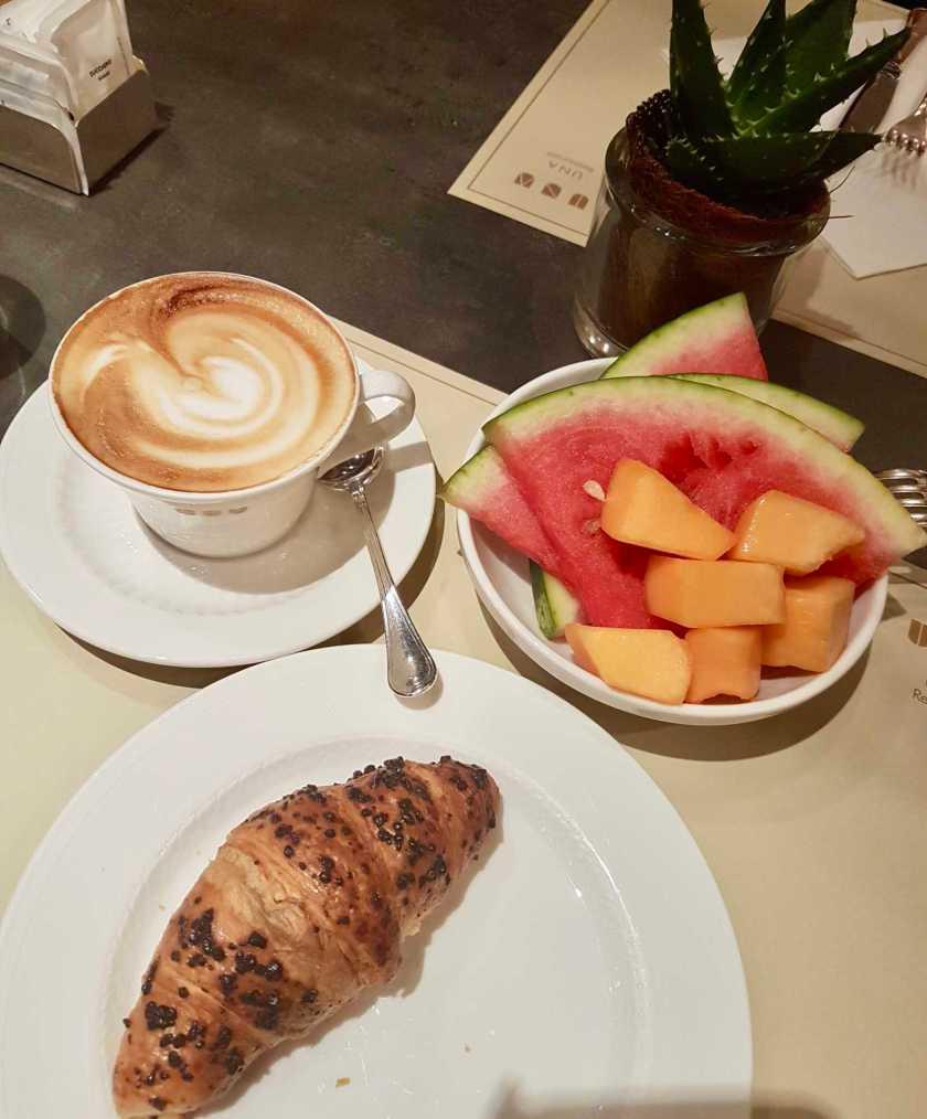 Una Hotel Cusani - Breakfast