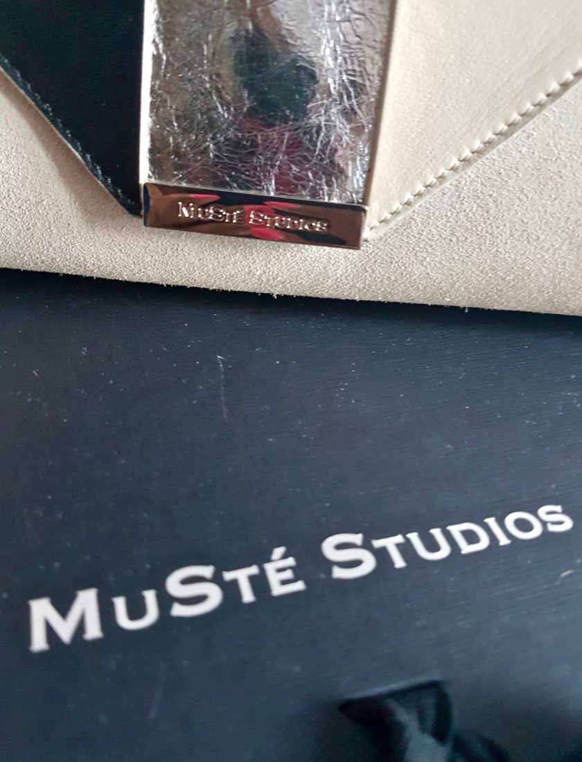 Muste Studios -Daphne Clutch
